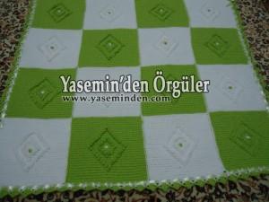 Model 010 - Fıstık Yeşili Baklavalı Battaniye