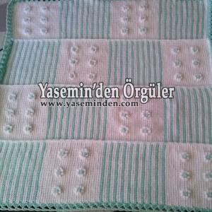 Model 018 - Su Yeşili Beyaz Çiçekli Battaniye