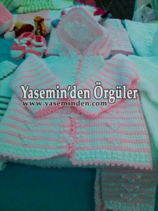 Model 009- Pembe Beyaz Yasemin Model Kapüşonlu
